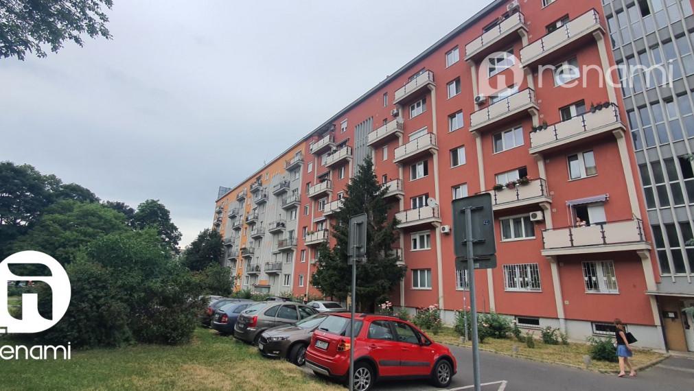 Na predaj 2 izbový byt Sklenárova ulica Bratislava - Ružinov, DOHODA viac info v RK